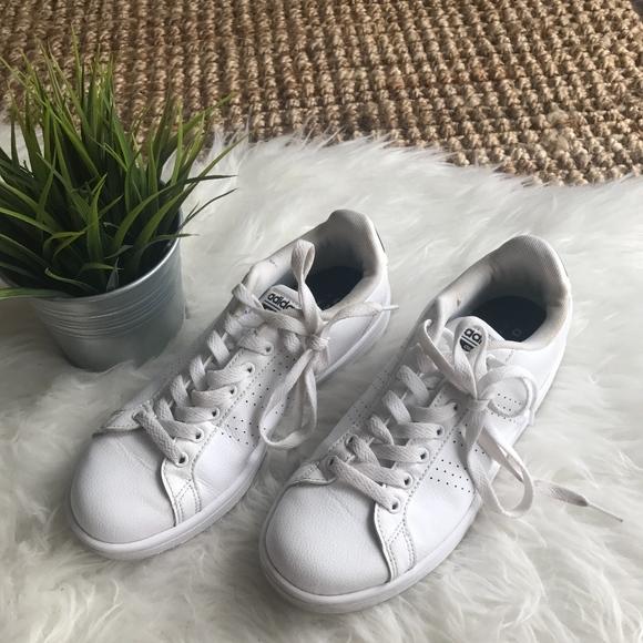 le adidas cloudfoam scarpe bianche poshmark